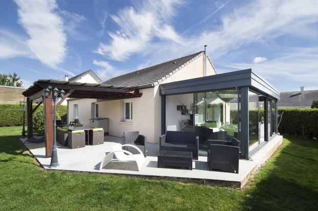 V randas toiture plate v rancial le bricomag - Moderne entree veranda ...