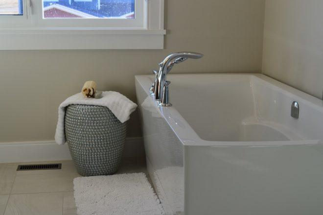 Baignoire rime souvent avec confort de bain for Carreler sa salle de bain